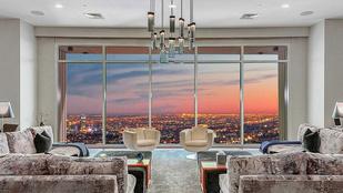 Matthew Perry hiába adja luxuslakását 2,5 milliárd forinttal olcsóbban, így sem tud megválni tőle