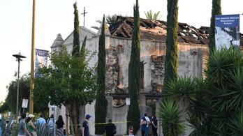 Leégett egy majdnem kétszázötven éves templom Kaliforniában