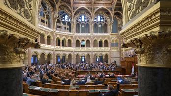 A parlament kedden szavaz arról, hogy ne legyen jogállami feltételekhez köthető a kedvezményes EU-hitel
