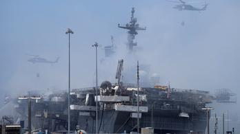 Még mindig lángol az amerikai hadihajó, több milllió liter üzemanyagot áraszthat a tengerbe