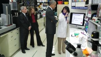 Nem, Obama, Fauci és Melinda Gates nem látogatta meg együtt a vuhani víruslabort 2015-ben