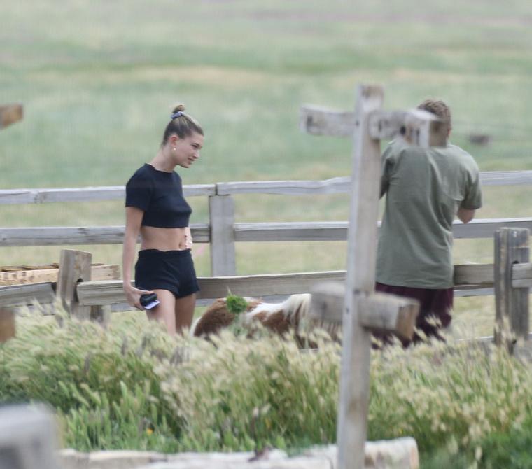 A Baldwinból lett Hailey Bieber egyik kedvenc outfit fajtása ugyanis szintén az edzőszett