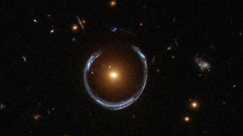 Mennyit nyom a gravitáció?
