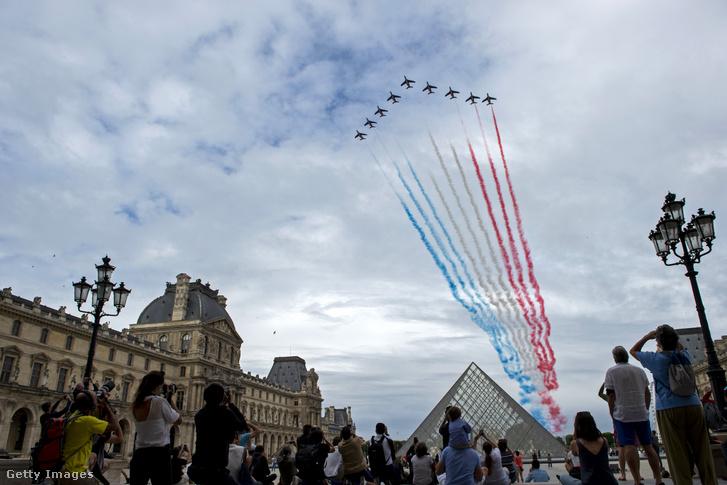 Francia nemzeti ünnep 2020. július 14-én, Párizsban.