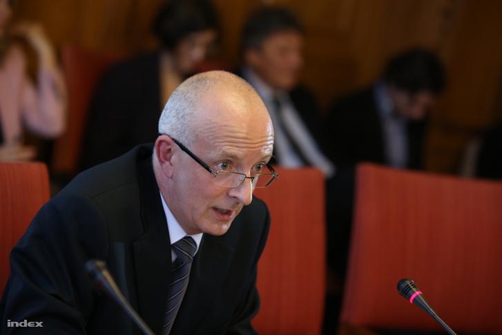 Varga Zs. András alkotmánybíró-jelölt meghallgatásán az Országgyűlés igazságügyi bizottságának ülésén az Országházban 2014. szeptember 22-én.