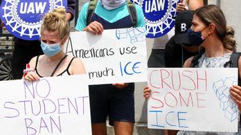 Visszavonták a külföldi hallgatókat hazaküldő törvényt az USA-ban