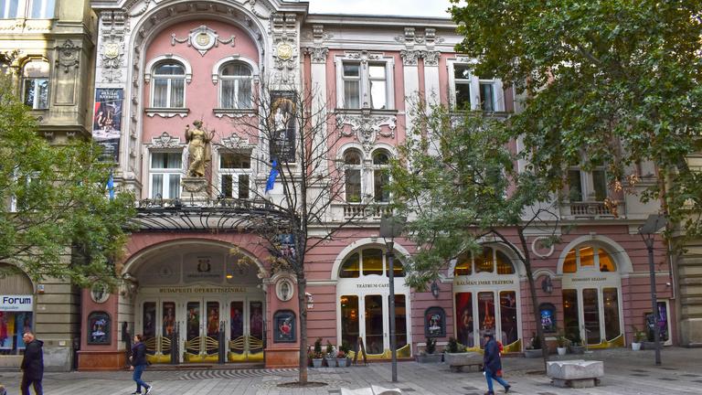 Az Operettszínház munkatársai: Figyeltünk, hogy ne maradjunk kettesben az ügyvezető igazgatóval