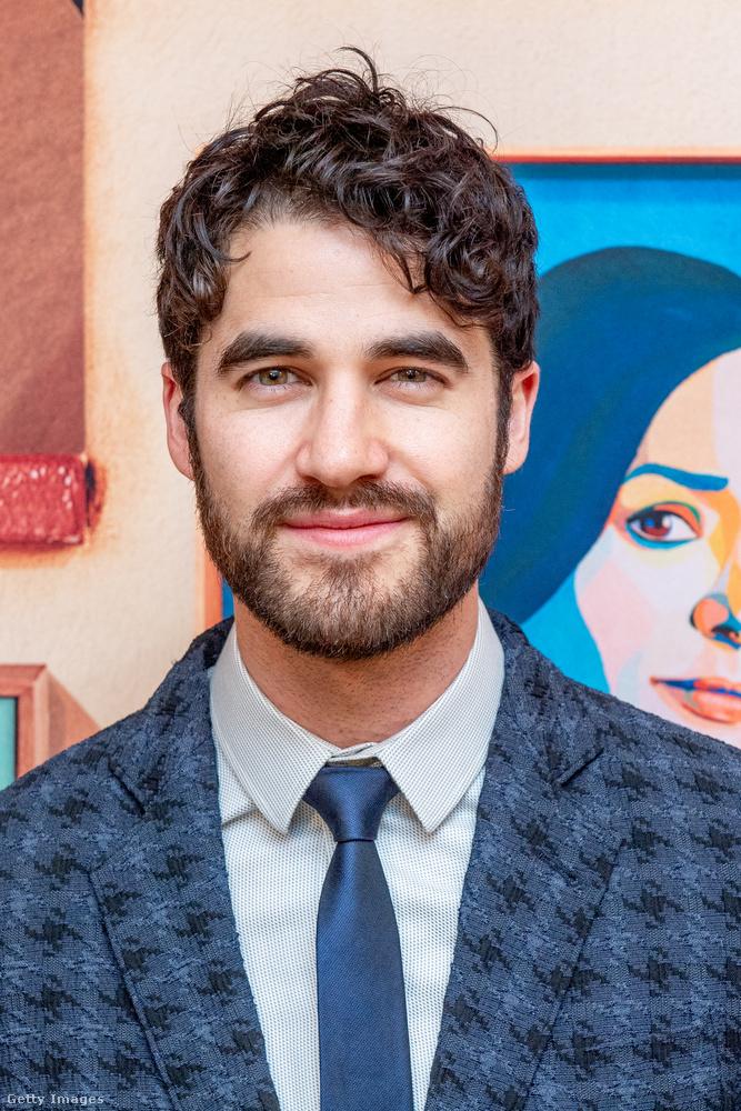 A most 33 éves Darren Criss ugyanis újabb lehetőségeket kapott a Glee egyik kreátorától, Ryan Murphytől, és ő lett az American Crime Story második, Gianni Versace gyilkosáról szóló évadának főszereplője