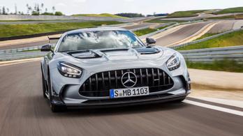 Itt a 730 lóerős AMG Mercedes sportkocsi