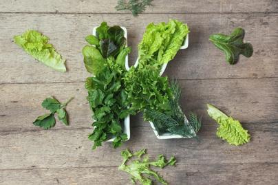 Bélpanaszok, erős menzesz is jelezheti a K-vitamin-hiányt: a négy legfontosabb tünet, amit muszáj komolyan venni