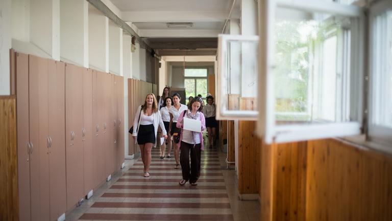 288 köznevelési és 203 szakképzési intézményben lesznek iskolaőrök