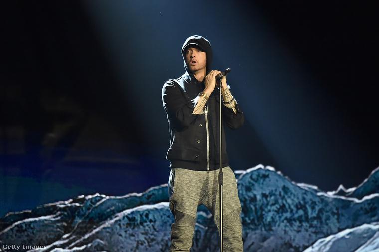 Ha a hadarás szónak lenne illusztrációja az értelmező kéziszótárban, valószínűleg Eminem fotóját mellékelnék a szöveg mellé