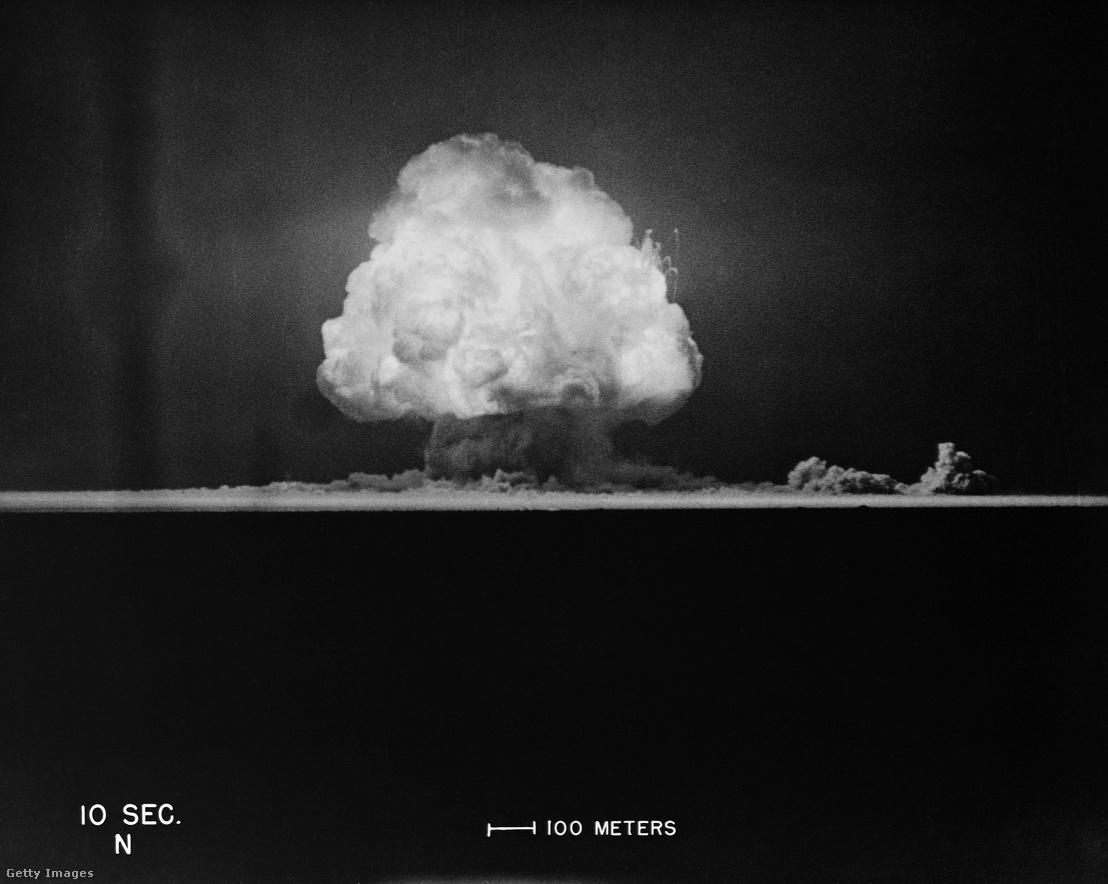 Felvétel a gombafelhőről tíz másodperccel a robbantás után