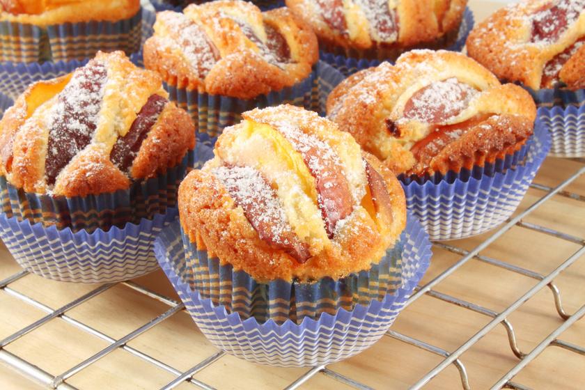 A legfinomabb vajas muffin barackkal felturbózva: isteni 30 perces süti