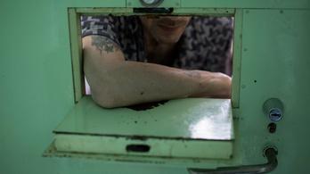 Hiába nincs járvány, a börtönökben nem engednek a vírusszigoron