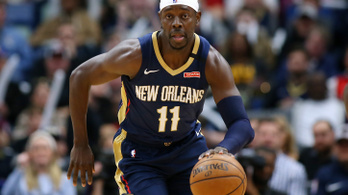 Több millió dollár fizetést adományoz el az NBA-kosaras