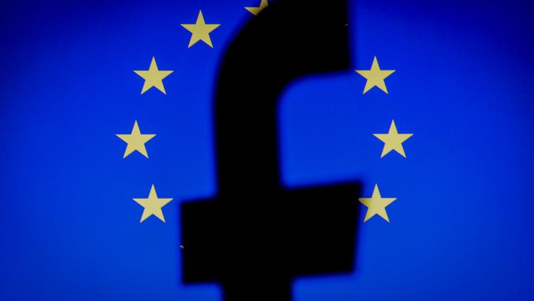 Elkaszálta az uniós bíróság az EU-USA adatátviteli megállapodást