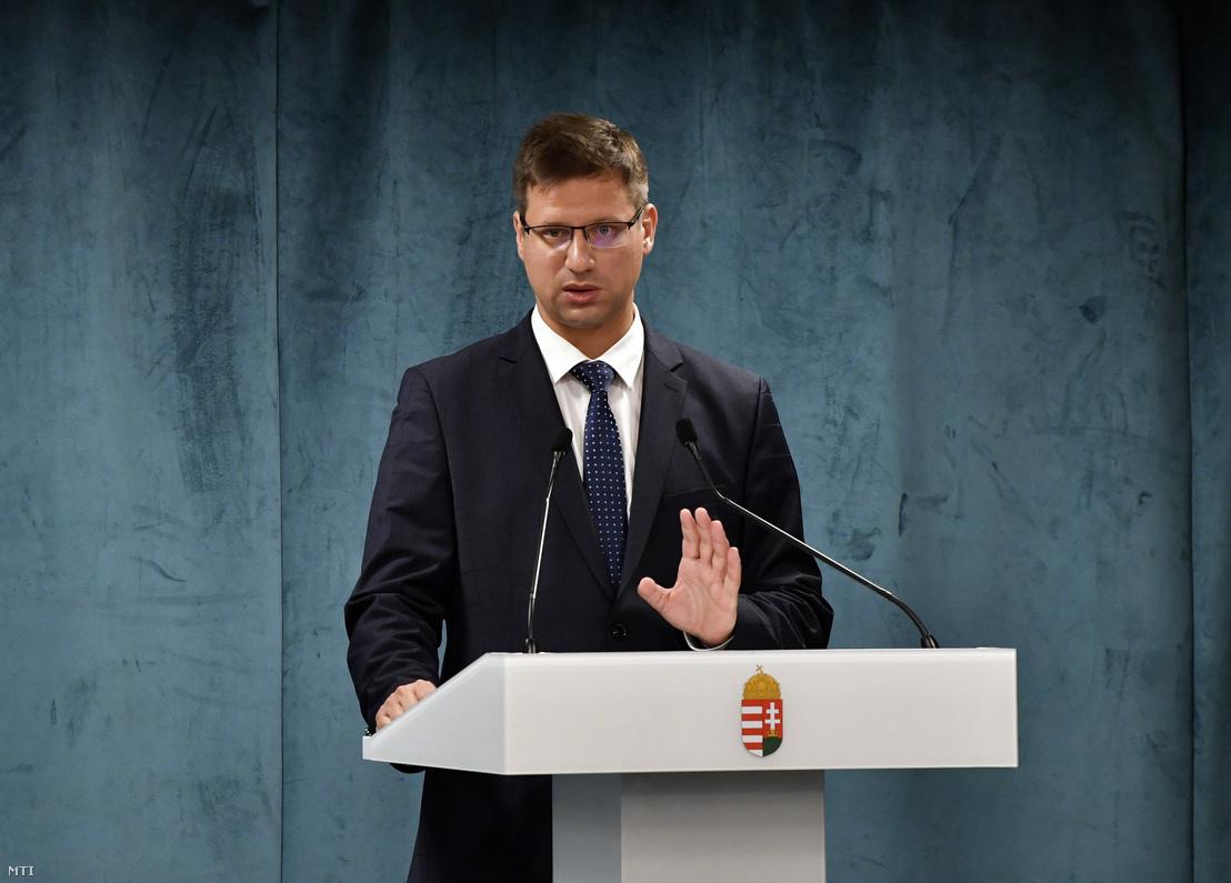 Gulyás Gergely a kormányinfó sajtótájékoztatón a Miniszterelnökségen 2020. július 16-án