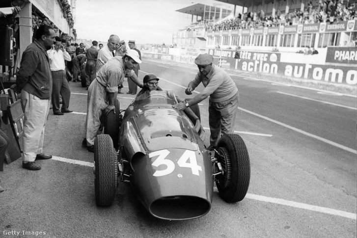 Juan Manuel Fangio a Francia Nagydíjon 1958-ban.