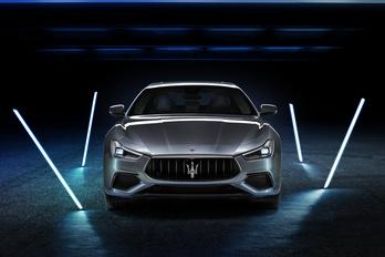 Eljött a négyhengeres, hibrid Maserati