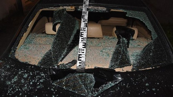 Fahusánggal verte szét a családja autóit, mert nem engedték be a házba