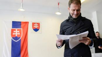 Folytatódik a szlovák plágiumbotrány: a miniszterelnök is érintett