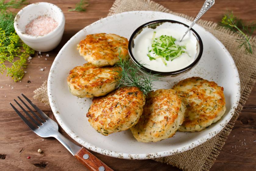 Fűszeres halfasírt: sütőben és olajban isA halrudacska és a fasírt ötvözete ez az ízletes fogás, így még a gyerekek is örömmel megeszik. ropogósra sül