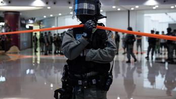 Hongkong Peking kedvéért kiutálta a tajvani képviseletet