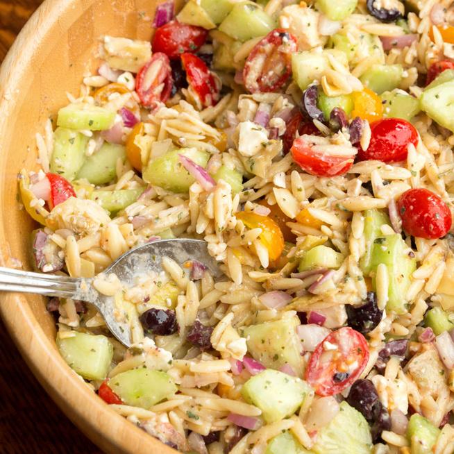 Fűszeres zöldséges rizs görög recept alapján – Olyan könnyed, mint egy saláta