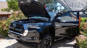 Bemutató: Toyota Hilux ráncfelvarrás - 2020.