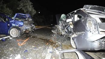 Frontális baleset Vácnál, egy 44 éves nő meghalt