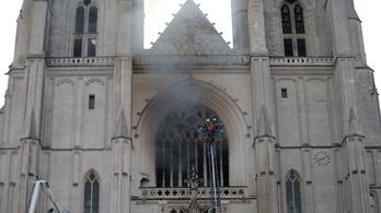 Elengedték a nantes-i katedrálistűz miatt őrizetbe vett férfit