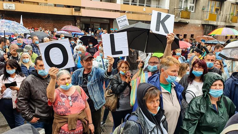 Több száz postai dolgozó demonstrált béremelésért