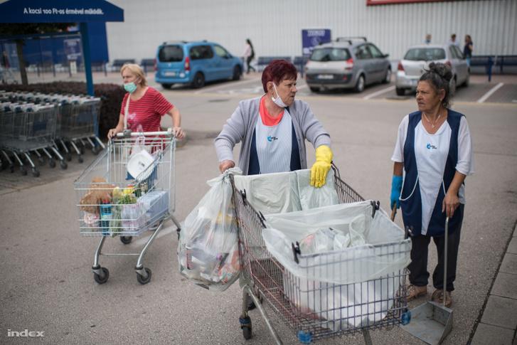 A Kilitin élő emberek most már nem aggódnak, de a jobboldali asszony néhány napja még a kutyájának is csak forralt vizet adott.