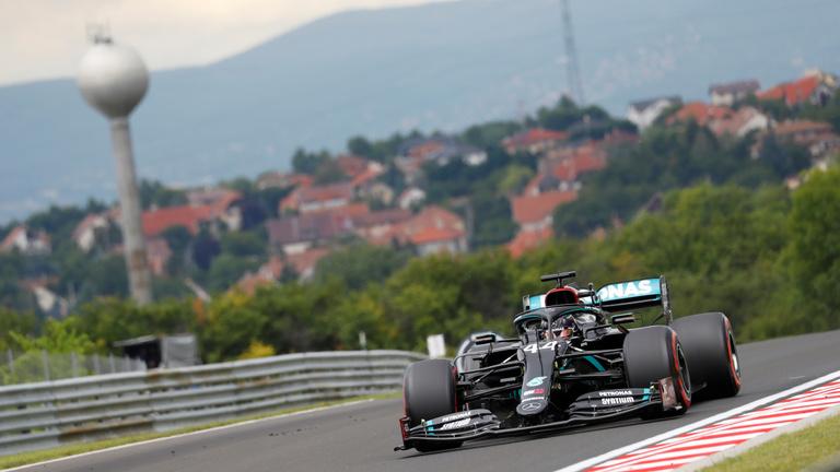 Hamilton hihetetlen pályacsúccsal nyerte a Magyar Nagydíj időmérőjét