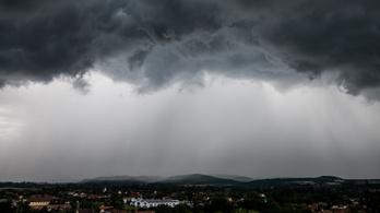 Extrém mennyiségű eső eshet szombaton