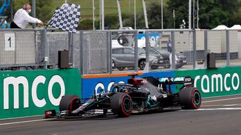 Schumacher rekordját beállítva Hamiltoné a Magyar Nagydíj