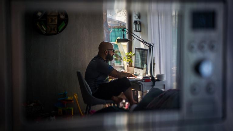 Új távmunkaszabályokkal ösztönzi a kormány a home office-t