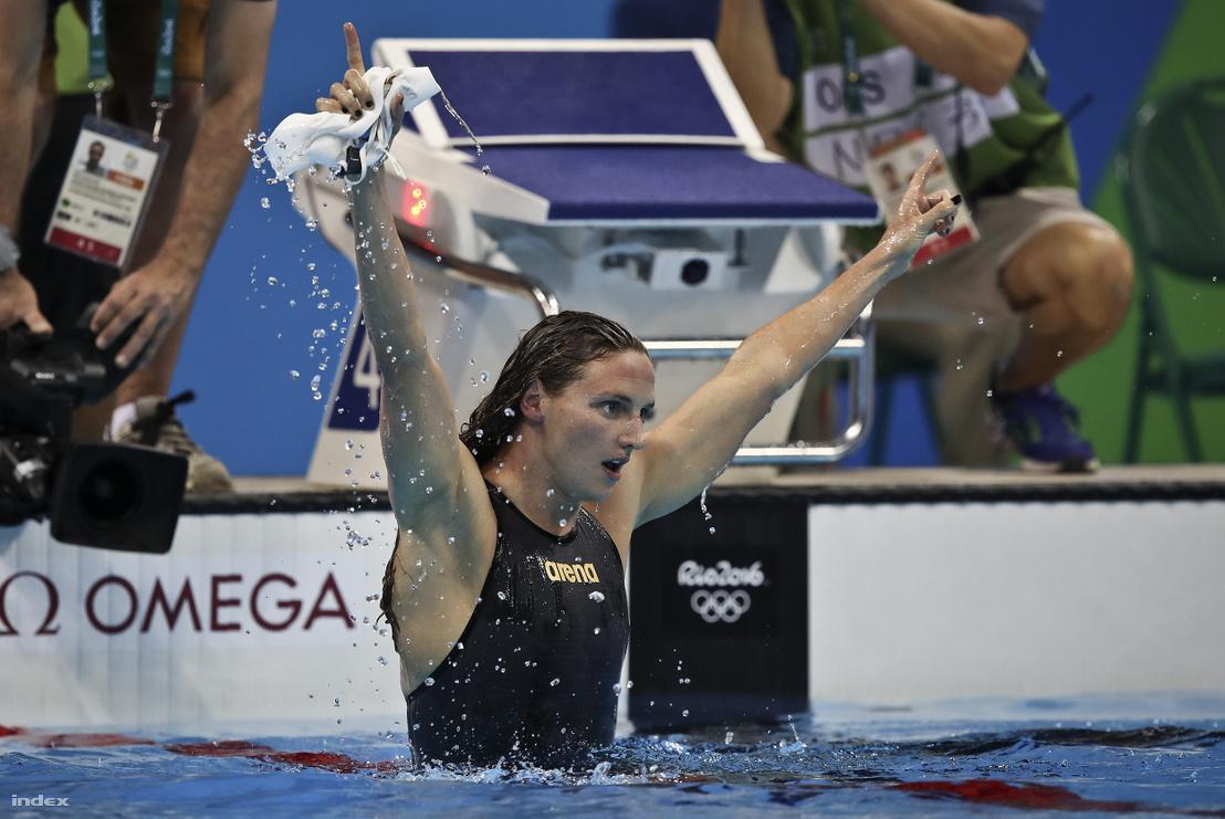 Hosszú Katinka a célban női 200 méteres vegyesúszás döntőjében a riói nyári olimpián a Rio de Janeiró-i Olimpiai Uszodában 2016. augusztus 9-én.