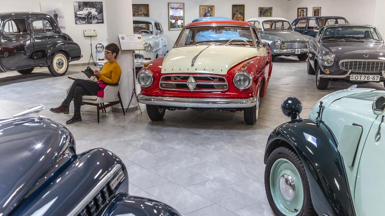 Az ország legtitkosabb autó-motor múzeumában jártunk