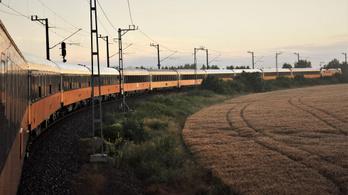 Új vonat indul Budapestről Bécsen át Prágába