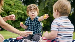 Természetes, ha egy kisgyerek önző – így segítsd, hogy együttérző legyen