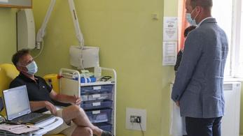 Egyre valószínűbb, hogy önkénteseket fognak megfertőzni a koronavírussal