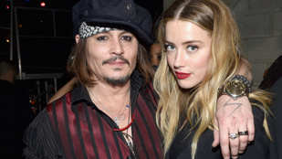 """""""Úgy szétszabdalom az arcod, hogy rád sem akarnak majd nézni"""", fenyegette Heardöt Johnny Depp"""