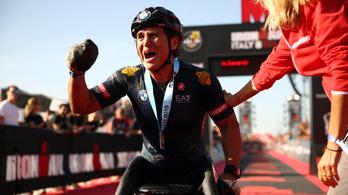Felébresztették a mesterséges kómából a paralimpiai bajnok Alex Zanardit