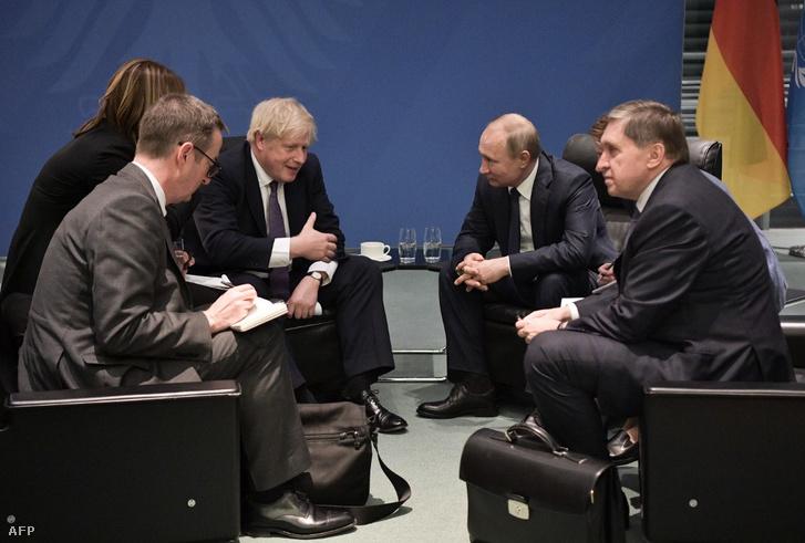 Boris Johnson és Vlagyimir Putyin Berlinben