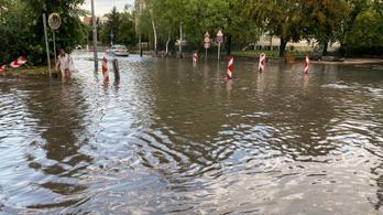 Akkora vihar volt Győrnél, hogy a vonatok sem jártak