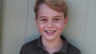 Hét éves lett György herceg: itt egy szülinapi fotó