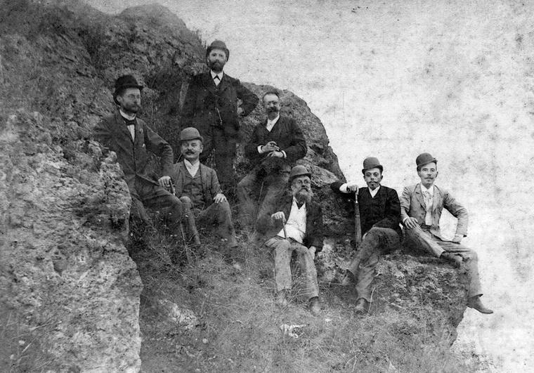 Ezek az úriemberek az 1900-as évek végén vették a nyakukba a világot