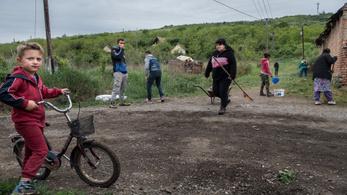 Népszava: A gyöngyöspataiak nem kapták még meg a kártérítést